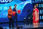 Vidya Balan on the Sets Of Indian Idol to Promote Film Begum Jaan on 22nd March 2017 (18)_58d3705ac85ba.JPG