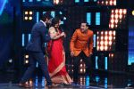 Vidya Balan on the Sets Of Indian Idol to Promote Film Begum Jaan on 22nd March 2017 (22)_58d3706b07ee6.JPG