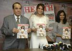 Bipasha Basu On Cover Page Of Health & Nutrition Magazine on 23rd March 2017 (6)_58d51d213e4d7.jpg