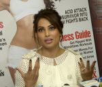 Bipasha Basu On Cover Page Of Health & Nutrition Magazine on 23rd March 2017 (9)_58d51d2df1f01.jpg