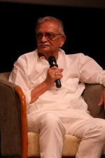 Gulzar At whistling Wood international Interact To Student on 23rd March 2017 (37)_58d519dea286e.JPG