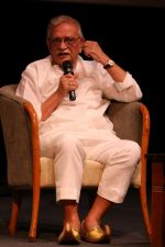 Gulzar At whistling Wood international Interact To Student on 23rd March 2017 (38)_58d519e022298.JPG