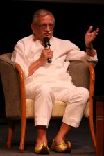 Gulzar At whistling Wood international Interact To Student on 23rd March 2017 (39)_58d519e18f874.JPG