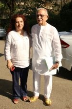 Gulzar At whistling Wood international Interact To Student on 23rd March 2017 (7)_58d519c6f39a2.JPG