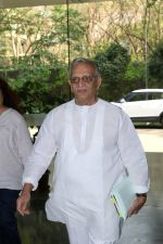Gulzar At whistling Wood international Interact To Student on 23rd March 2017 (9)_58d519caac849.JPG