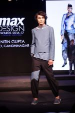 Model walk the ramp at The Max Design Awards 2017 Grand Finale Student Edition on 23rd March 2017 (46)_58d51fae79e44.JPG
