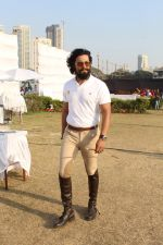 Randeep Hooda Is Show Jumping At Race Cource on 24th March 2017 (12)_58d626a16e97e.JPG