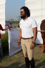 Randeep Hooda Is Show Jumping At Race Cource on 24th March 2017 (2)_58d6268f97cc9.JPG
