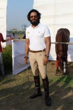 Randeep Hooda Is Show Jumping At Race Cource on 24th March 2017 (4)_58d6269365831.JPG