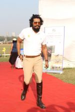 Randeep Hooda Is Show Jumping At Race Cource on 24th March 2017 (9)_58d6269c69cd1.JPG