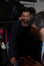 John Abraham at DR.Aashish Contractor Book Launch on 24th March 2017 (47)_58d624667a18c.JPG