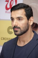 John Abraham at DR.Aashish Contractor Book Launch on 24th March 2017 (55)_58d624b73ed21.JPG