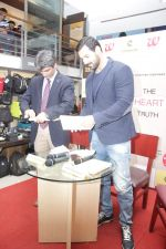 John Abraham at DR.Aashish Contractor Book Launch on 24th March 2017 (60)_58d624790cad2.JPG
