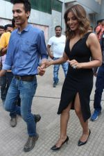 Bipasha Basu & Karan Singh Grover at the Launch Of Springfit Mattress Autograph Collection on 25th March 2017 (103)_58d7a23a3d743.JPG