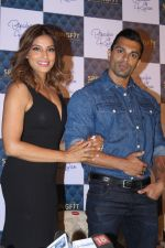 Bipasha Basu & Karan Singh Grover at the Launch Of Springfit Mattress Autograph Collection on 25th March 2017 (63)_58d7a2141efcb.JPG