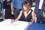 Bipasha Basu & Karan Singh Grover at the Launch Of Springfit Mattress Autograph Collection on 25th March 2017 (79)_58d7a2238aa55.JPG