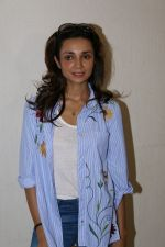 Ira Dubey Attend Child Artist Krish Dewan_s Play To Support Him on 28th March 2017 (15)_58db8029c5a82.JPG