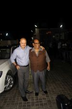 Anupam Kher, Satish Kaushik at the Special Screening Of Film Naam Shabana on 29th March 2017 (116)_58dcd74a1932a.JPG