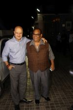 Anupam Kher, Satish Kaushik at the Special Screening Of Film Naam Shabana on 29th March 2017 (119)_58dcd74d848a7.JPG