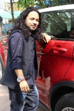 Kailash Kher at the Song Launch Of Vote Do For Movie Blue Mountains on 29th March 2017 (18)_58dcd11b5e033.JPG