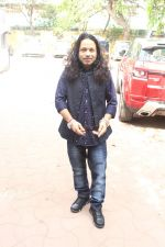 Kailash Kher at the Song Launch Of Vote Do For Movie Blue Mountains on 29th March 2017 (11)_58dcd107d91af.JPG