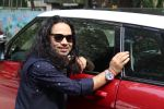 Kailash Kher at the Song Launch Of Vote Do For Movie Blue Mountains on 29th March 2017 (15)_58dcd113999b6.JPG