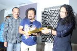 Kailash Kher at the Song Launch Of Vote Do For Movie Blue Mountains on 29th March 2017 (23)_58dcd1248fc07.JPG