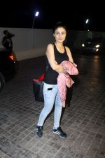 Ragini Khanna at the Special Screening Of Film Naam Shabana on 29th March 2017 (75)_58dcd79966348.JPG