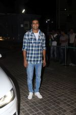 Vicky Kaushal at the Special Screening Of Film Naam Shabana on 29th March 2017 (46)_58dcd7c9bc86c.JPG
