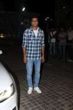 Vicky Kaushal at the Special Screening Of Film Naam Shabana on 29th March 2017 (47)_58dcd7cb9aed4.JPG