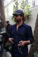 Irrfan Khan Spotted at Sunny Super Sound on 30th March 2017 (14)_58de367f94dbd.JPG