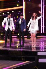 Sonakshi Sinha To Promote Noor & Nach Baliye On The Set Of Dil Hai Hindustani on 31st March 2017 (36)_58df9e5619517.JPG