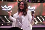 Sonakshi Sinha To Promote Noor & Nach Baliye On The Set Of Dil Hai Hindustani on 31st March 2017 (50)_58df9e5a40c66.JPG