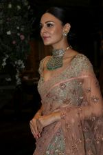 Aanchal Kumar at the Unveiling Of Shyamal & Bhumika�s Spring Summer 17 Collection on 31st March 2017 (20)_58dfa3096e060.JPG