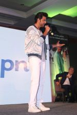 Hrithik Roshan At Press Conference Of Happn A Datting App (28)_58f3784e03542.JPG