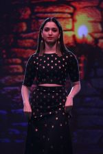 Tamannaah Bhatia Showcase The Collection Inspired By Bahubali 2-The Conclusion (16)_58f37980bf8bb.JPG