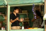 Imran Khan On Location Shoot Of Mini Mathur Show Truck (11)_58f4caaeb8df3.JPG