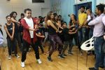 Kiara Advani Groove And Shake A Leg On The Song Of Tu Cheez Badi Hai Mast Mast (51)_58f4cc1627ef6.JPG