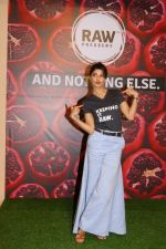 Jacqueline Fernandez At Brand Ambassador Of Juice Brand on 18th April 2017 (35)_58f704db4f6b2.JPG