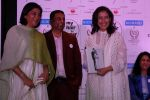 Priya Dutt, Manisha Koirala at the Finale Of Nargis Dutt Foundation Social Cause Campain-My Hair For Cancer on 18th April 2017 (47)_58f707266c42b.JPG