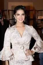 Sunny Leone at the Unveiling Of Jewelsouk.Com New Brand Ambassador on 18th April 2017 (3)_58f707882c820.JPG