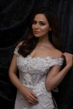 Sana Khan at Dimple & Amrin Showcase Spring Summer Collection on 21st April 2017 (1)_58faf795937d4.JPG