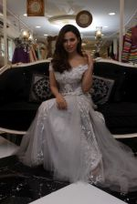 Sana Khan at Dimple & Amrin Showcase Spring Summer Collection on 21st April 2017 (15)_58faf7905f2da.JPG