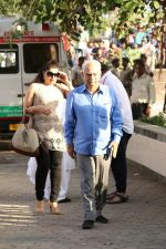 Ramesh Sippy at the Funeral Of Veteran Actor Vinod Khanna on 27th April 2017 (42)_5902e640a3771.JPG