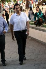 at the Funeral Of Veteran Actor Vinod Khanna on 27th April 2017 (42)_5902e61e53d0a.JPG
