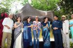 Gauri Khan, Shaina NC At Inauguration Of Mumbai Beautification Project By Nana Chudasama on 2nd May 2017 (6)_590967270dd75.JPG