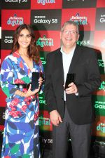 Vaani Kapoor launches Samsung Galaxy S8 on 3rd May 2017 (15)_590ac9438a32a.JPG