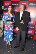 Vaani Kapoor launches Samsung Galaxy S8 on 3rd May 2017 (17)_590ac959e74e4.JPG