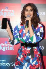 Vaani Kapoor launches Samsung Galaxy S8 on 3rd May 2017 (9)_590ac90594a37.JPG