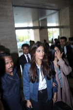 Sonam Kapoor and Rhea Kapoor launch a new clothing Brand Rheson on 12th May 2017 (11)_5916b4e6ec525.JPG